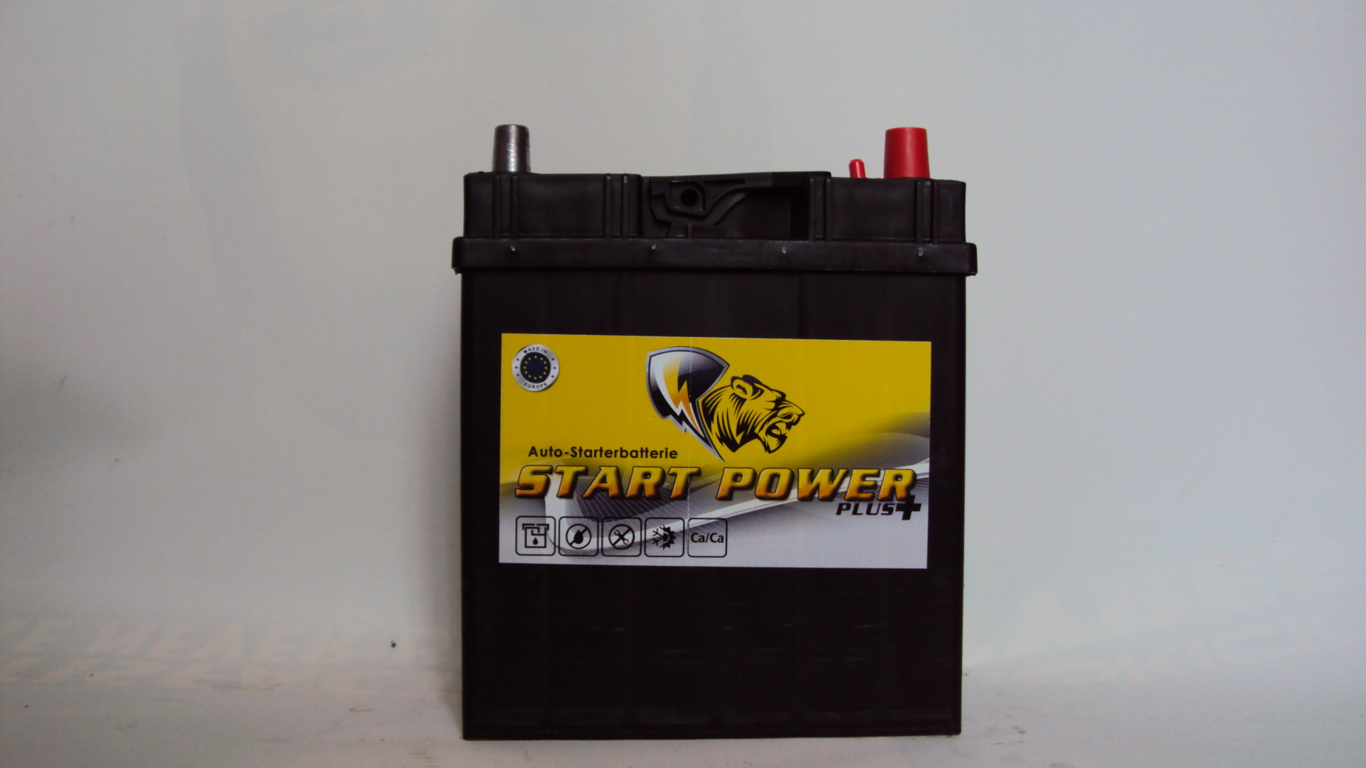Start-Power-Asia-12V--45-Ah-jobb--vekony-auto-akkumulator-